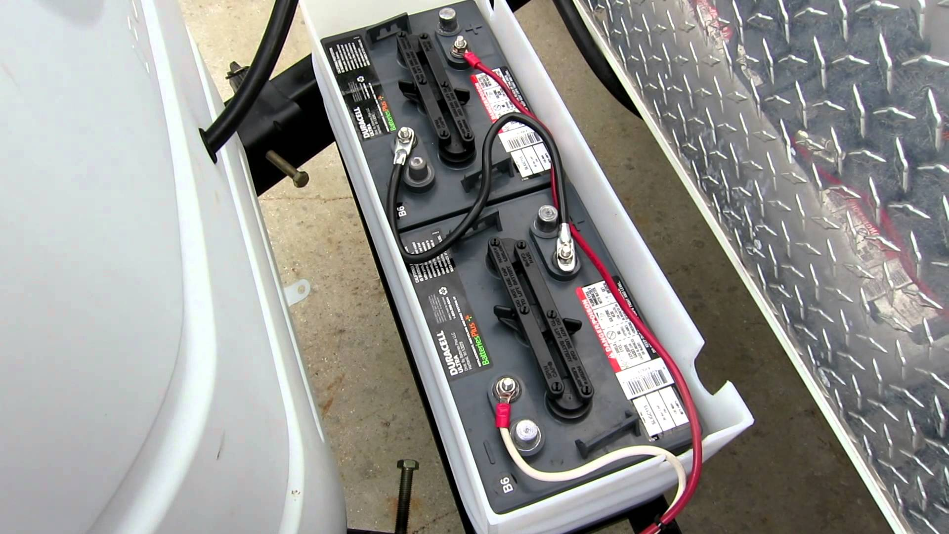 Charge RV battery while driving in the right way