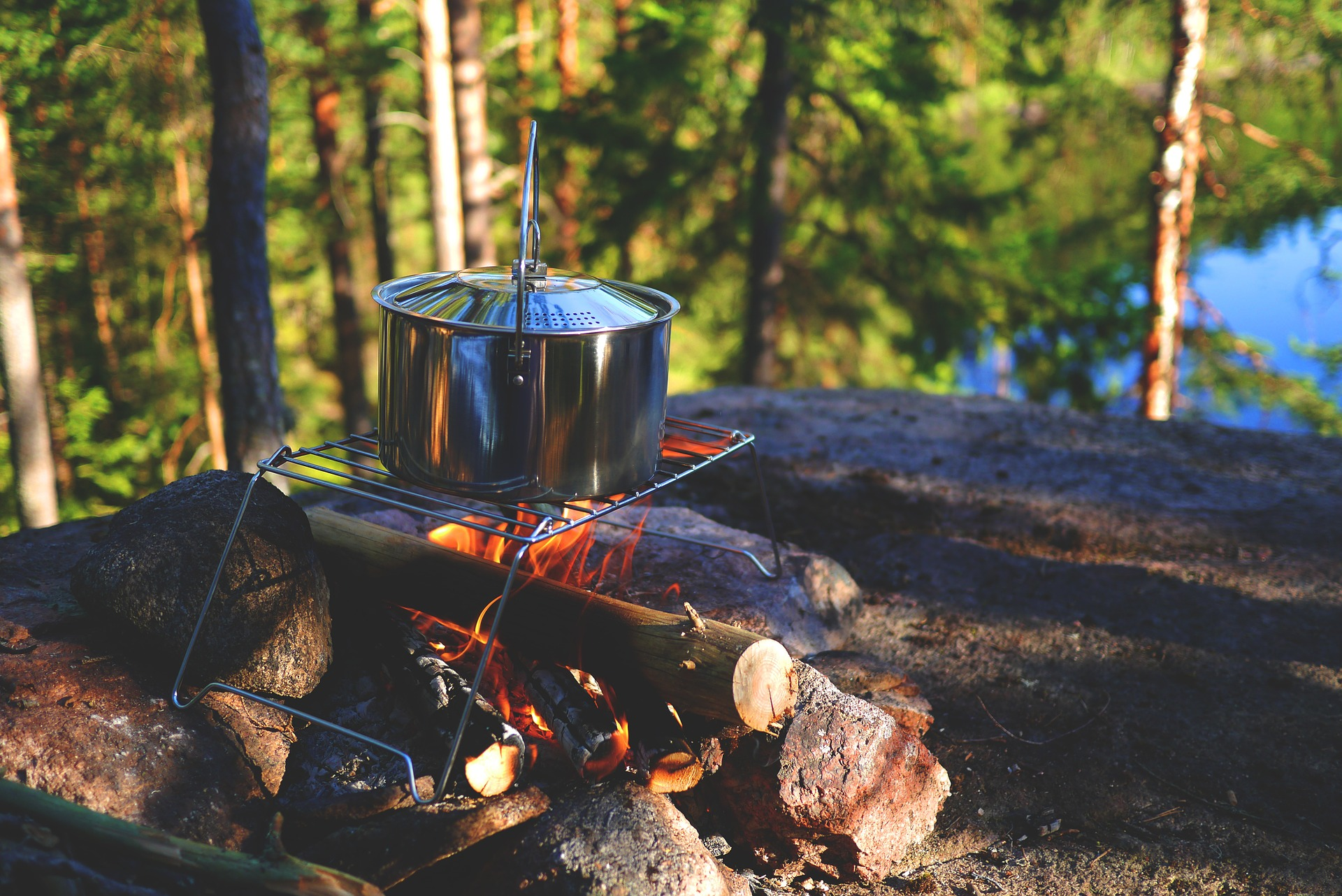 easiest meals to cook while camping