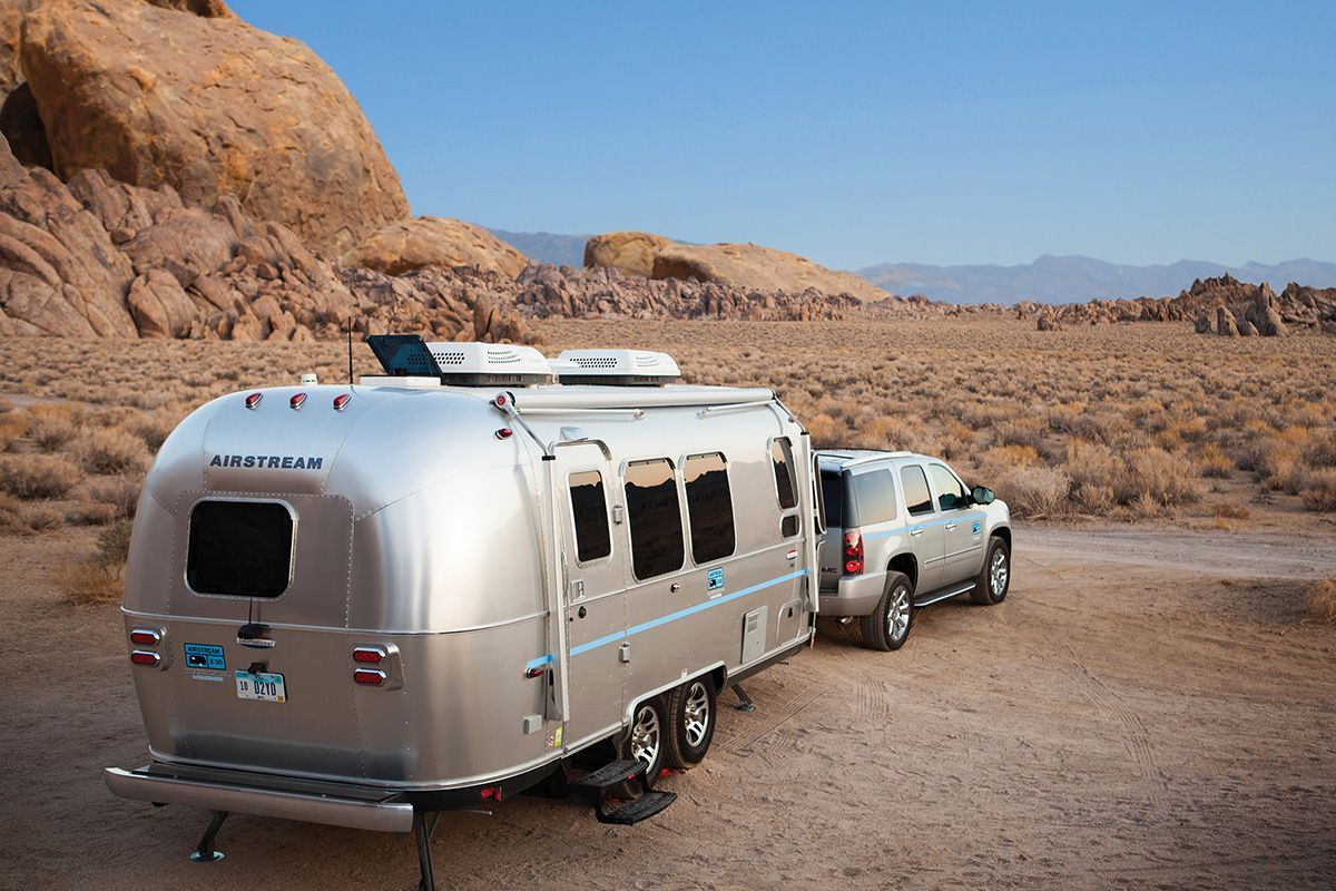 Best Midsize SUV for Towing a Travel Trailer