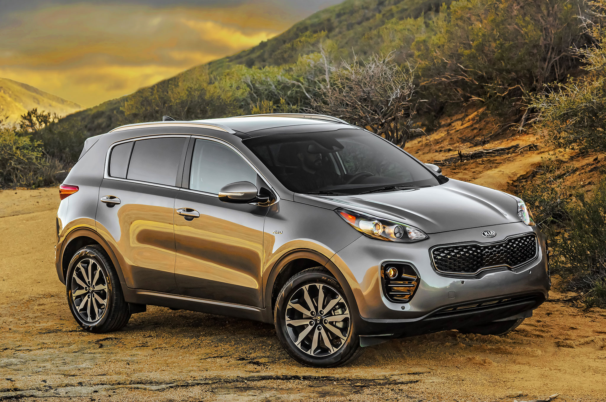 Best Midsize SUV for Towing a Travel Trailer | Top 6 Choices