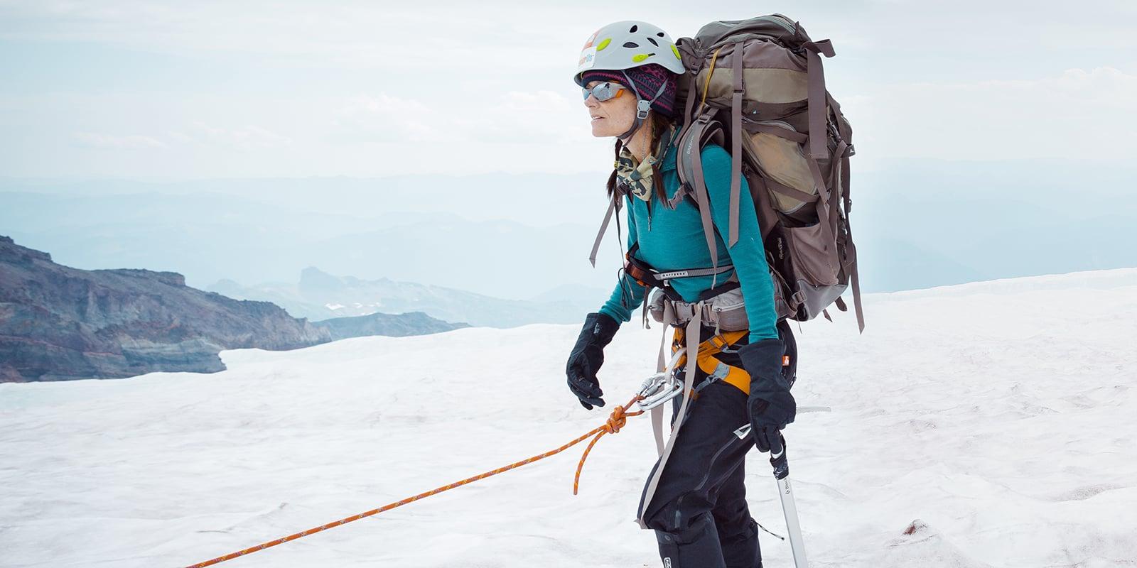 mountaineering vs hiking