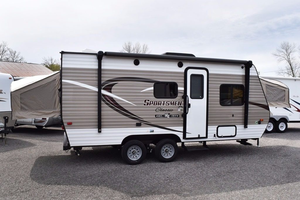 ultra lightweight travel trailers