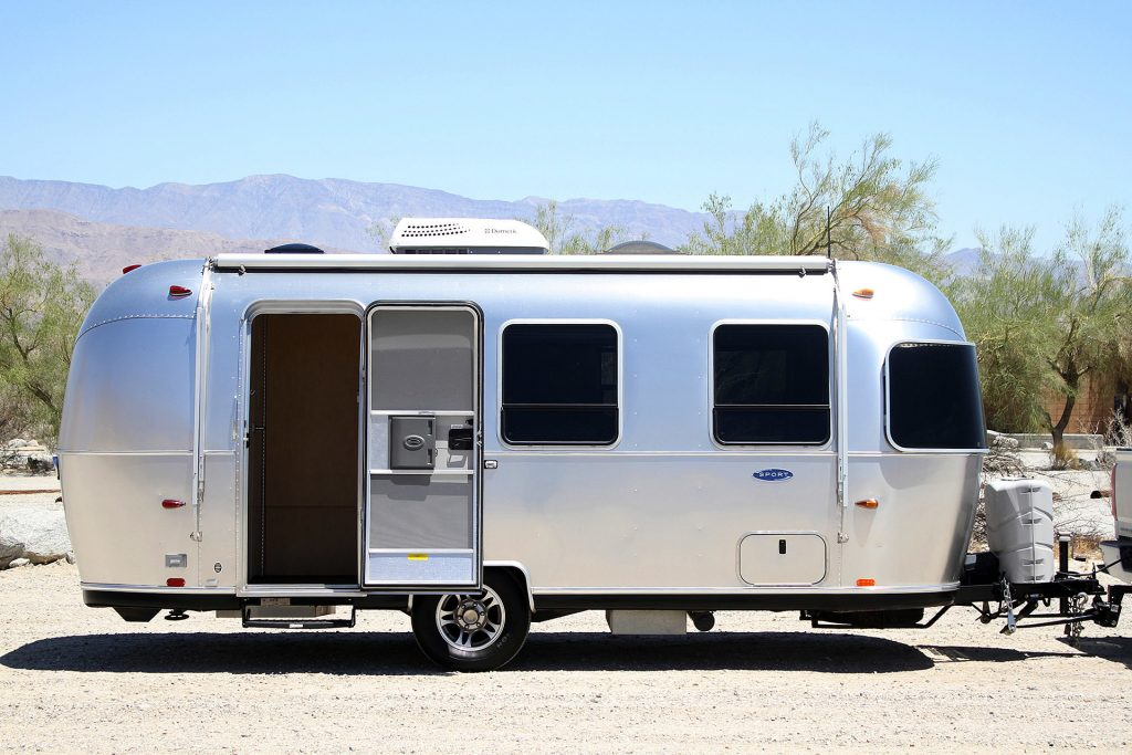 5 Best Travel Trailers Under 4000 Pounds (Top Lightweight