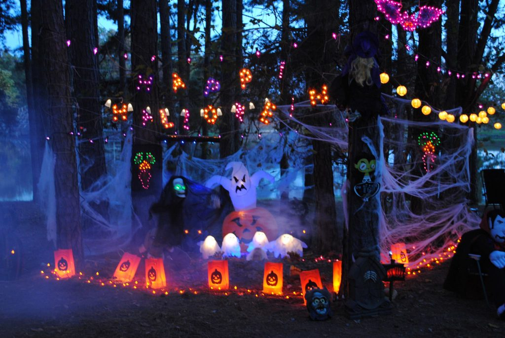 campsite halloween decorating ideas