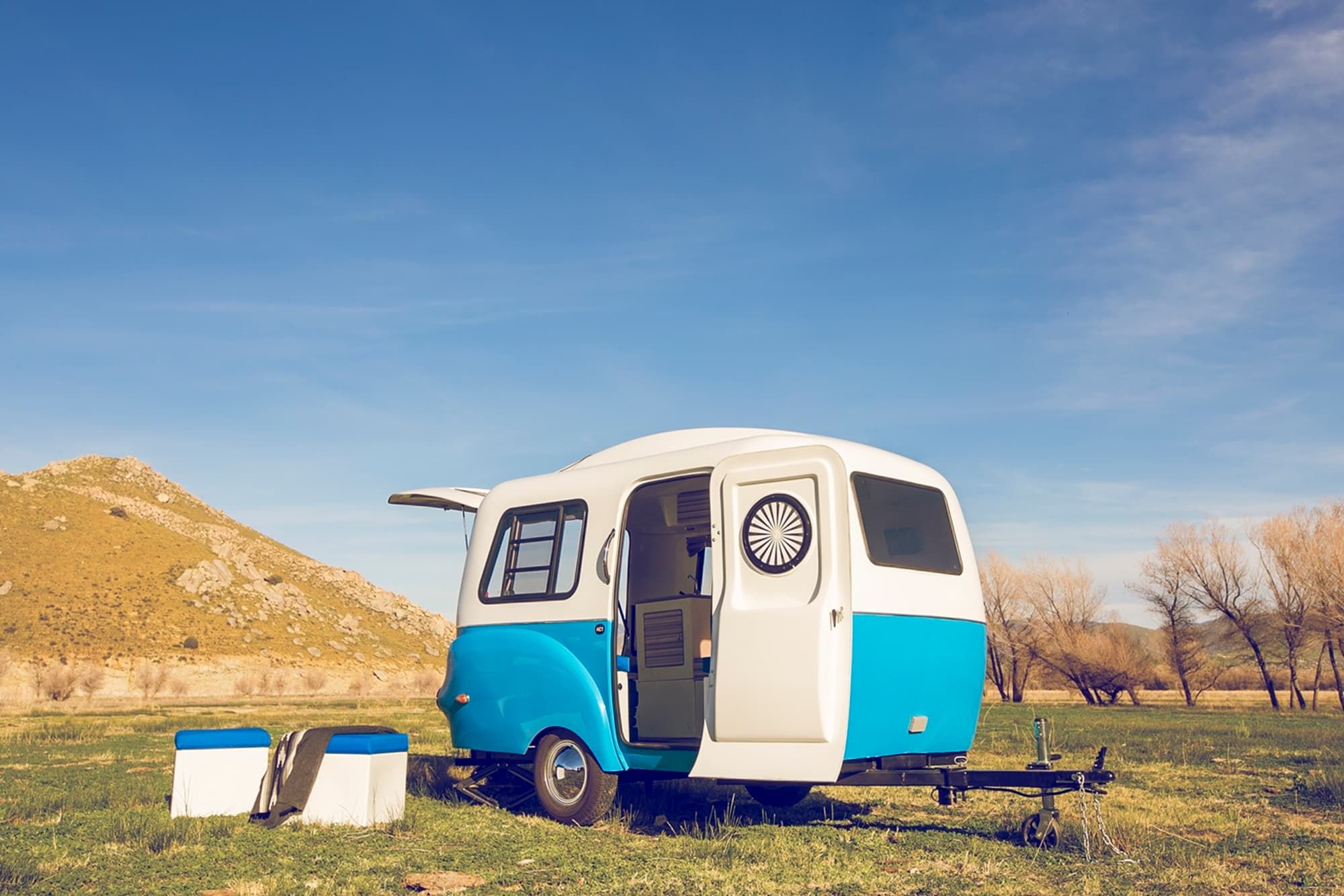 5 Best Travel Trailers Under 4000 Pounds (Top Lightweight Trailers)