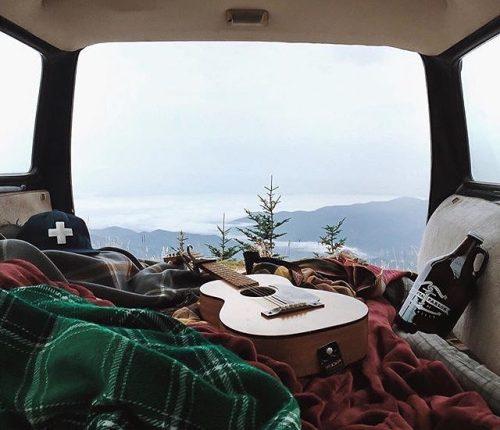 van camping guitar